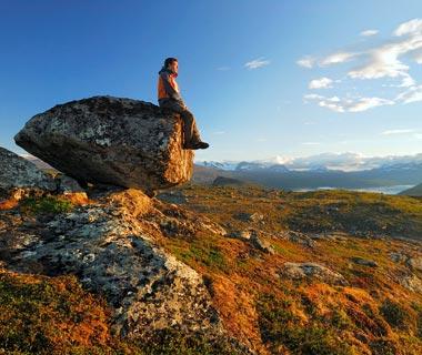 wanderer viewpoint landscape stora sjoefallet np national park lapland laponia sweden panoramic view